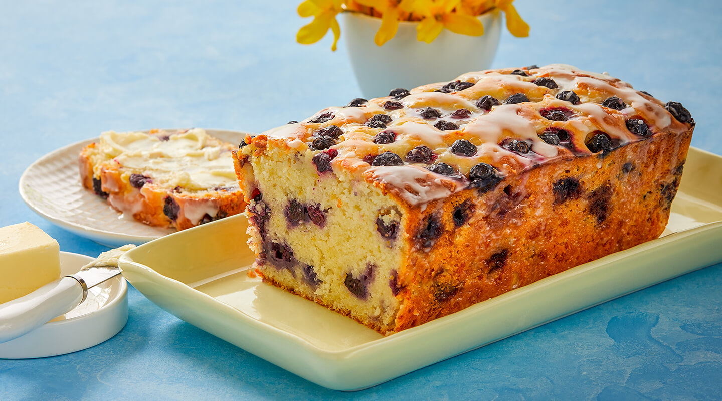 Wisconsin Cheese Brunch Fontina-Blueberry Bread Recipe
