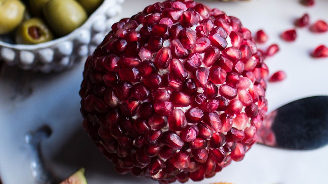 pomegranate blue cheese ball wisconsin cheese