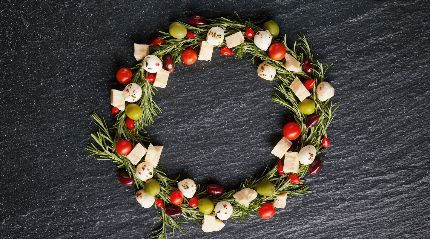 Holiday Wreath Cheeseboard