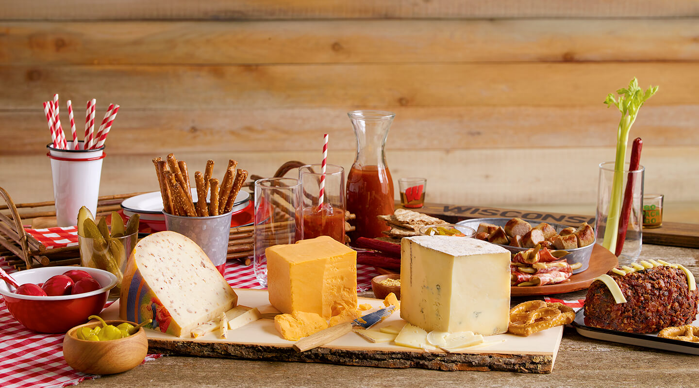 Ultimate Wisconsin Tailgate Cheeseboard