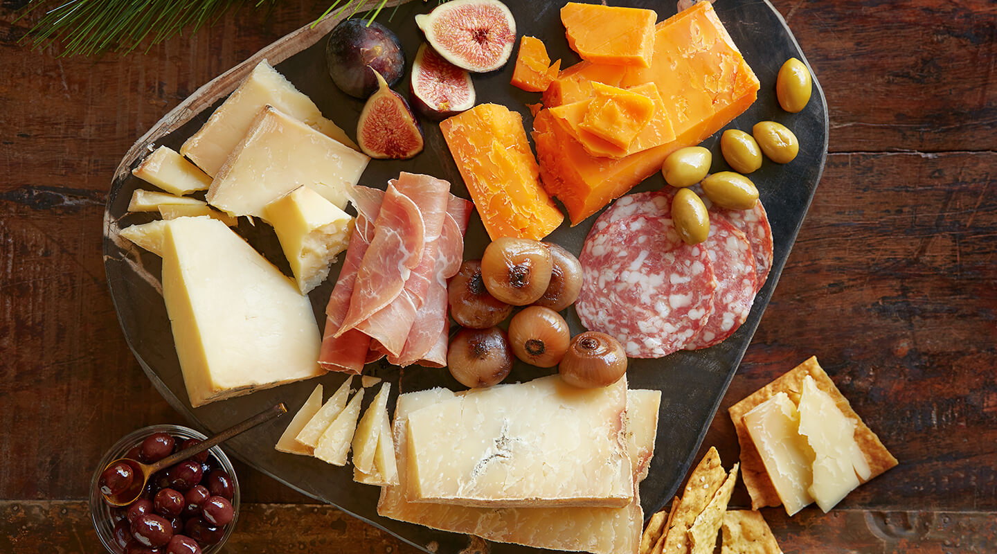 Wisconsin Cheese Artisan Cheddar Cheese Board Recipe