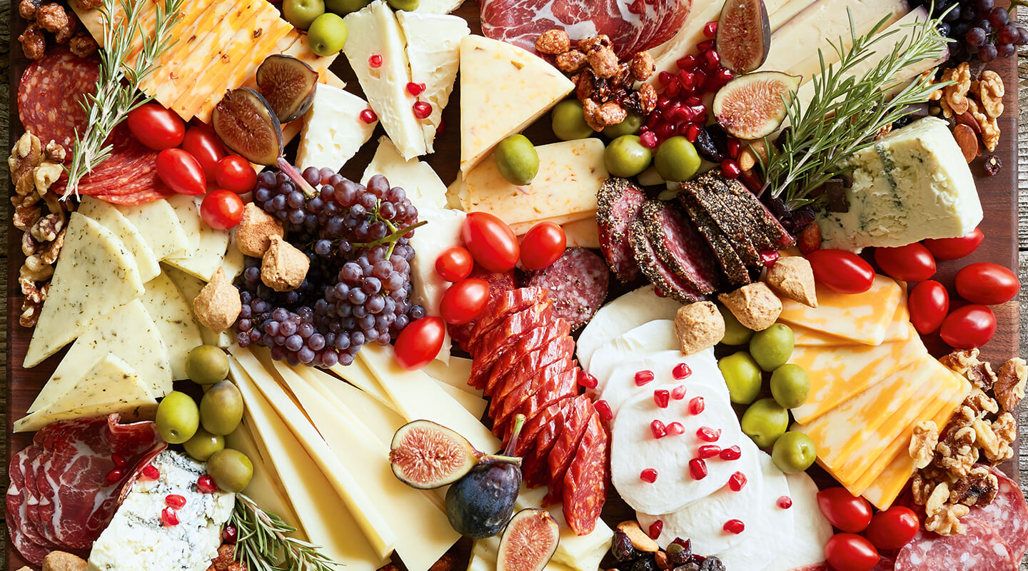 Wisconsin Cheese Holiday Cheeseboard Recipe