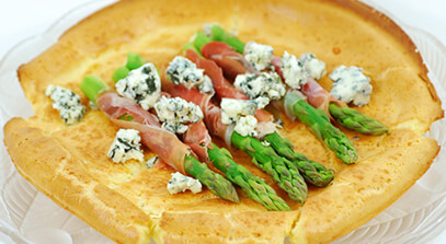 Parmesan Oven Pancake with Asparagus, Prosciutto and Blue Cheese