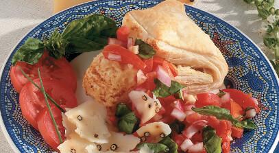 Pepato Cheese Crisps with Plum Tomato Salsa