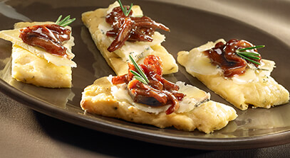 Rosemary-Mashed Potato Flatbread with Dunbarton Blue® and Red Onion Marmalade