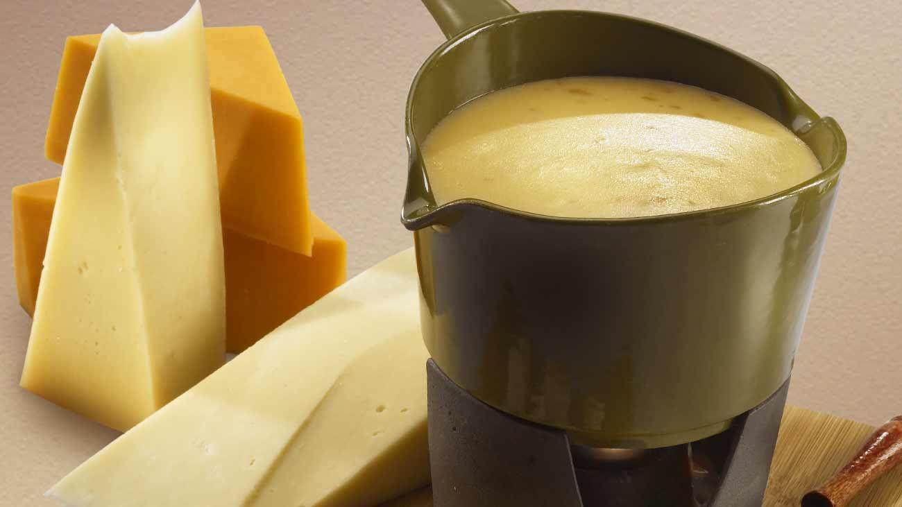 Smoky Cheese Fondue