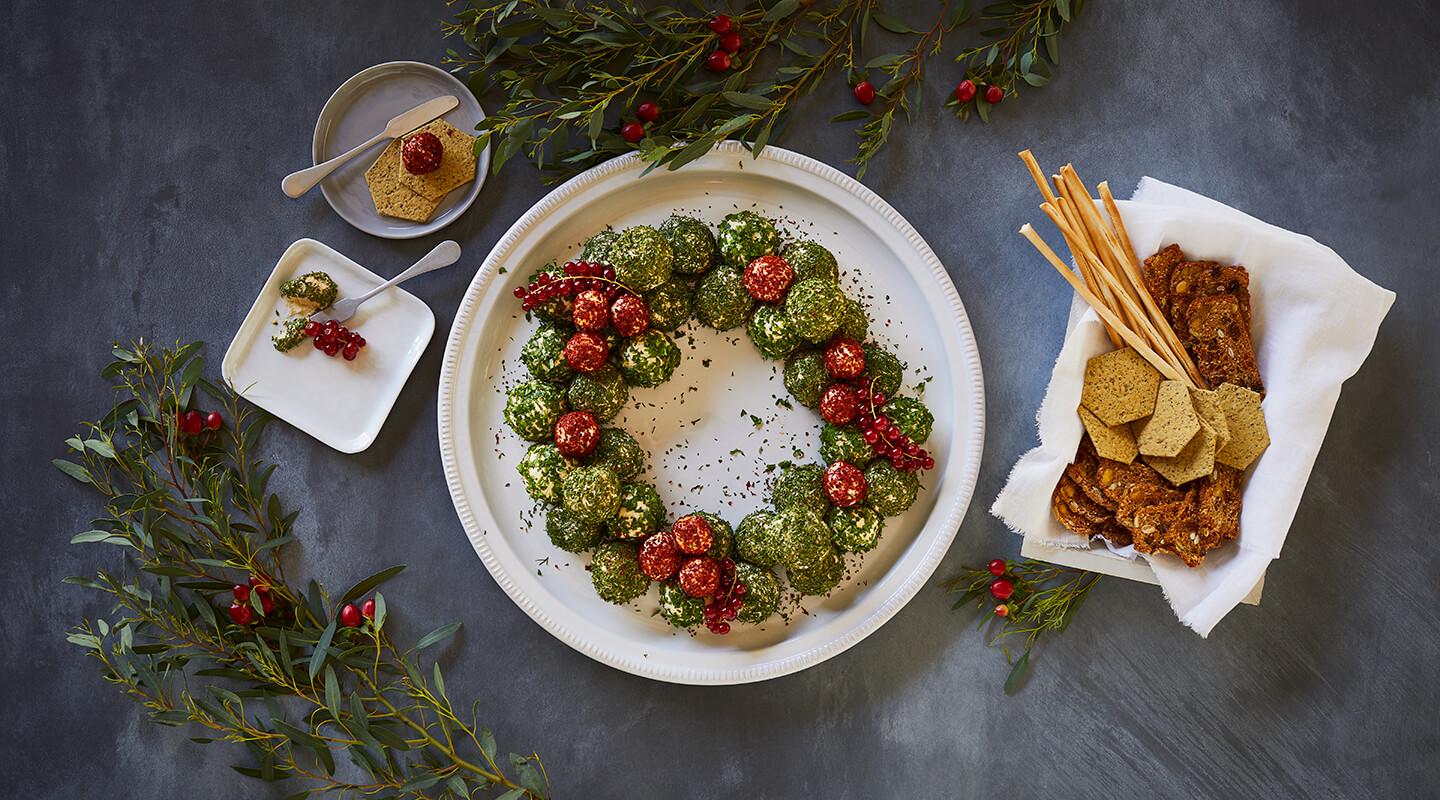 Wisconsin Cheese Holiday Cheese Ball Wreath Recipe