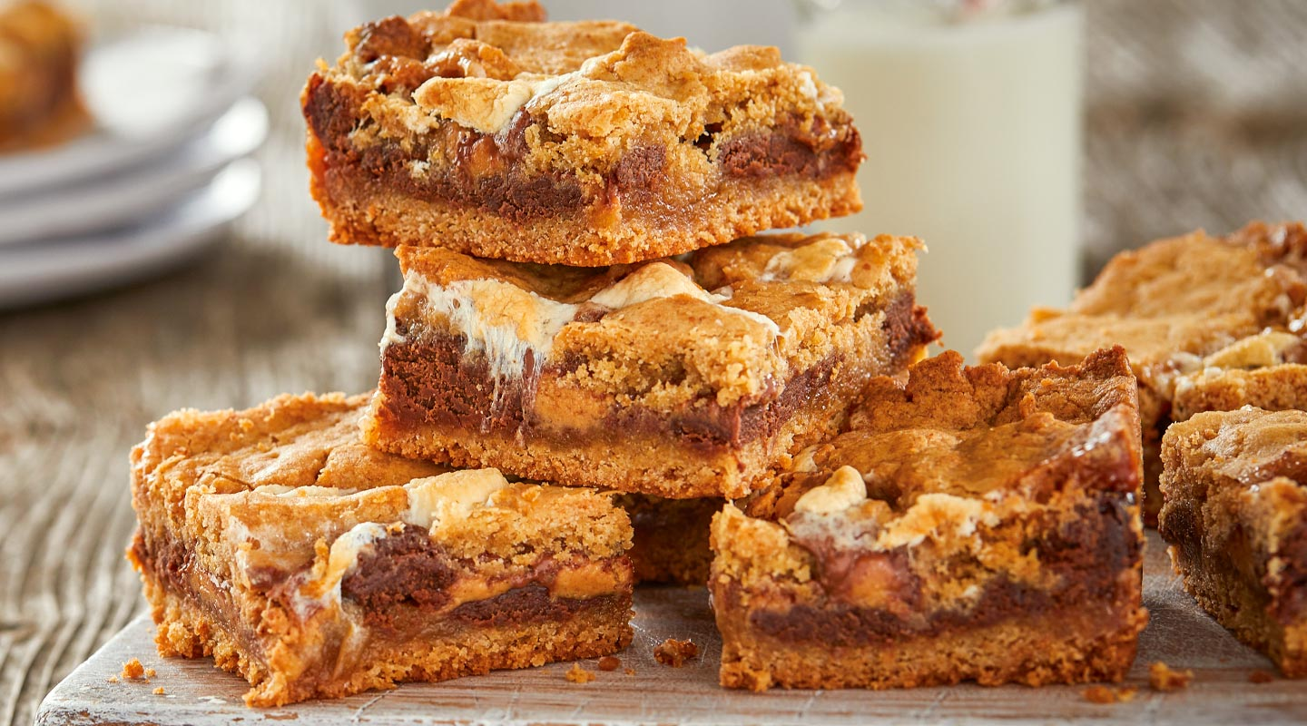 Wisconsin Cheese Chocolate Cheese Fudge S'mores Bars recipe