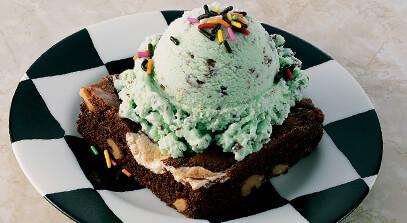 ice cream brownie sundae