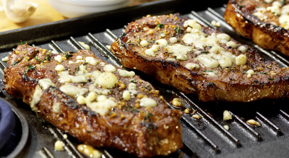 Steak with Gorgonzola-Thyme Crust