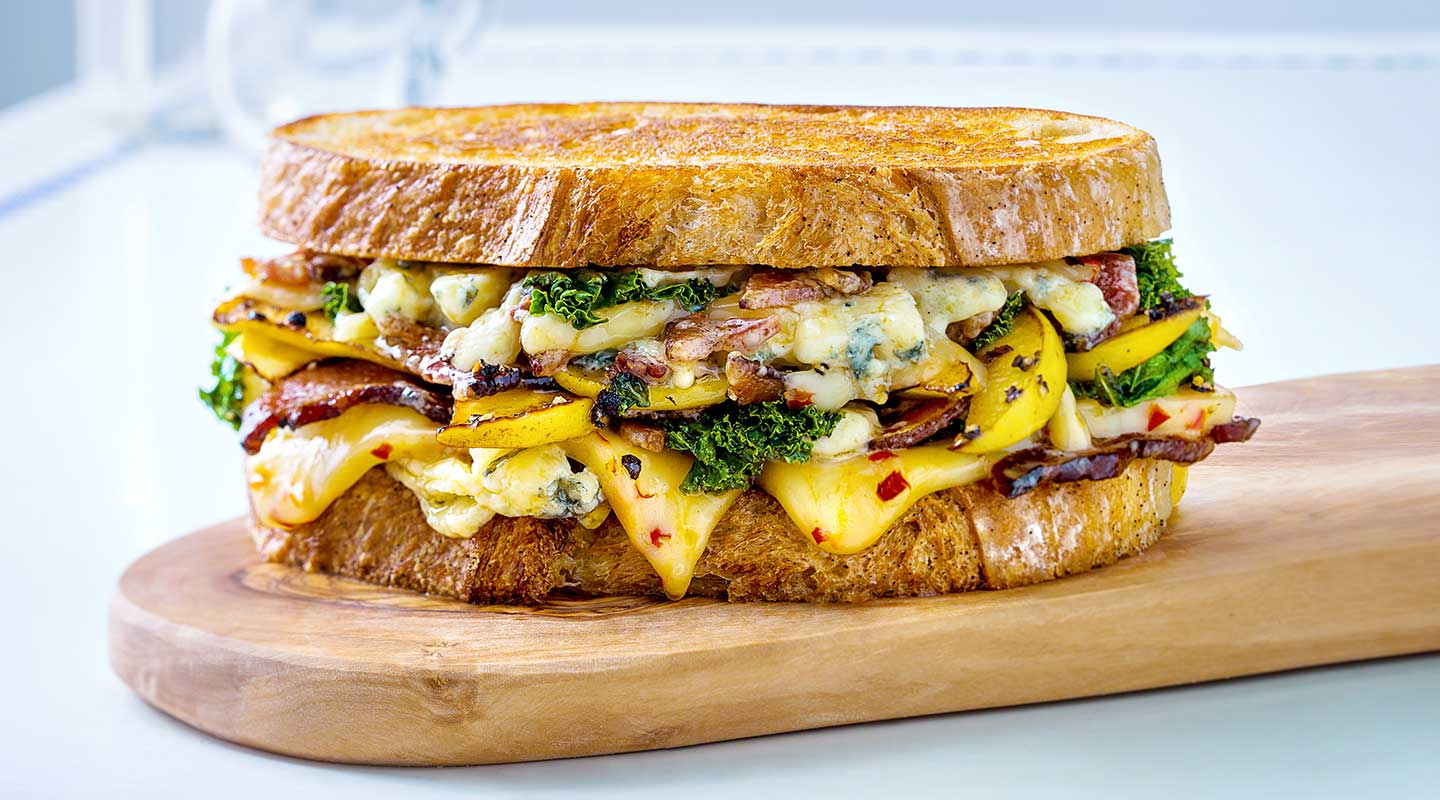Wisconsin Cheese Cheesy Apple-Bacon Melt Recipe