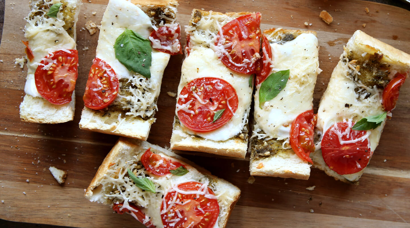 Wisconsin Cheese Tomato-Pesto French Bread Pizza Recipe