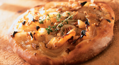 Vidalia Onion and Gorgonzola Pizza