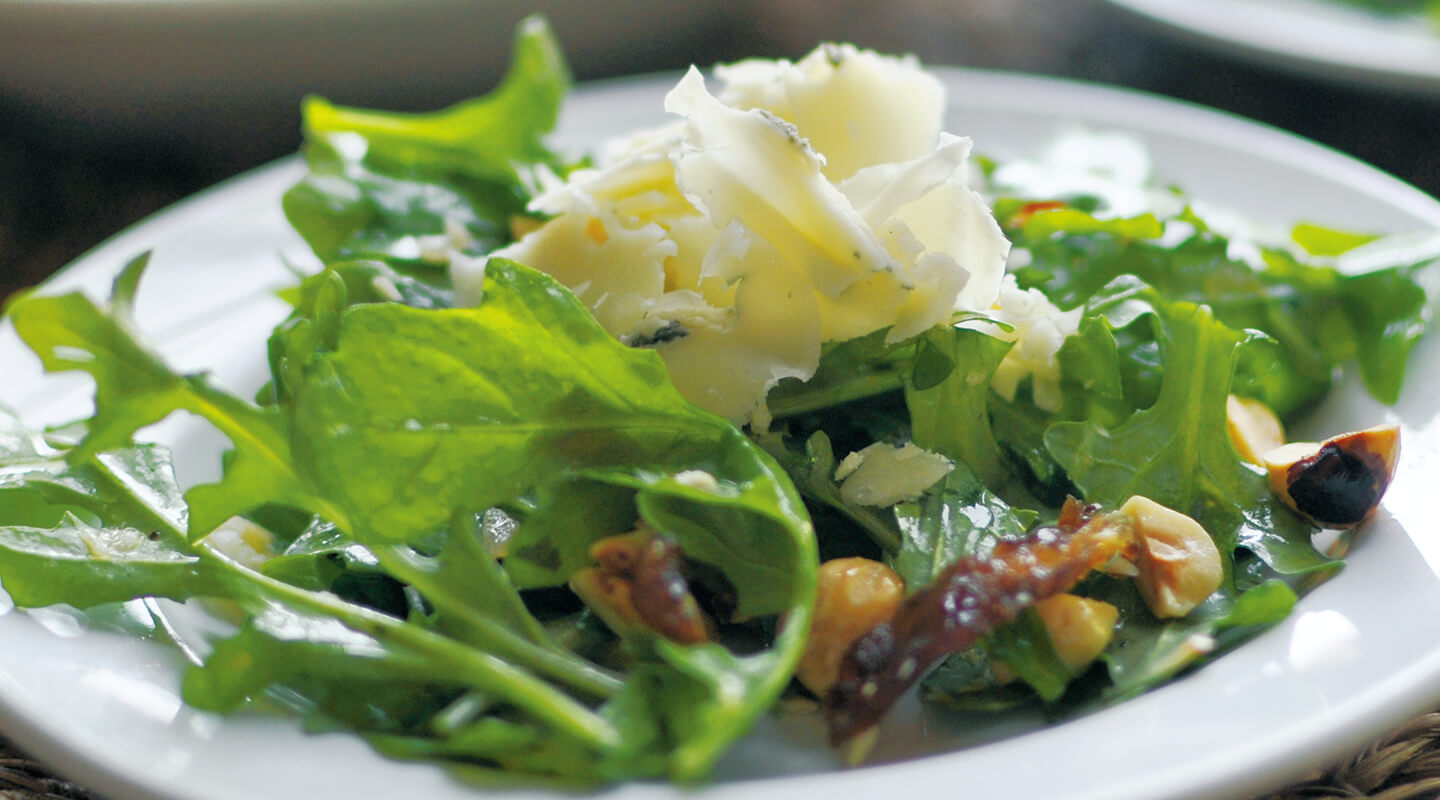 Cheddar Blue Salad with Hazelnuts and Dates