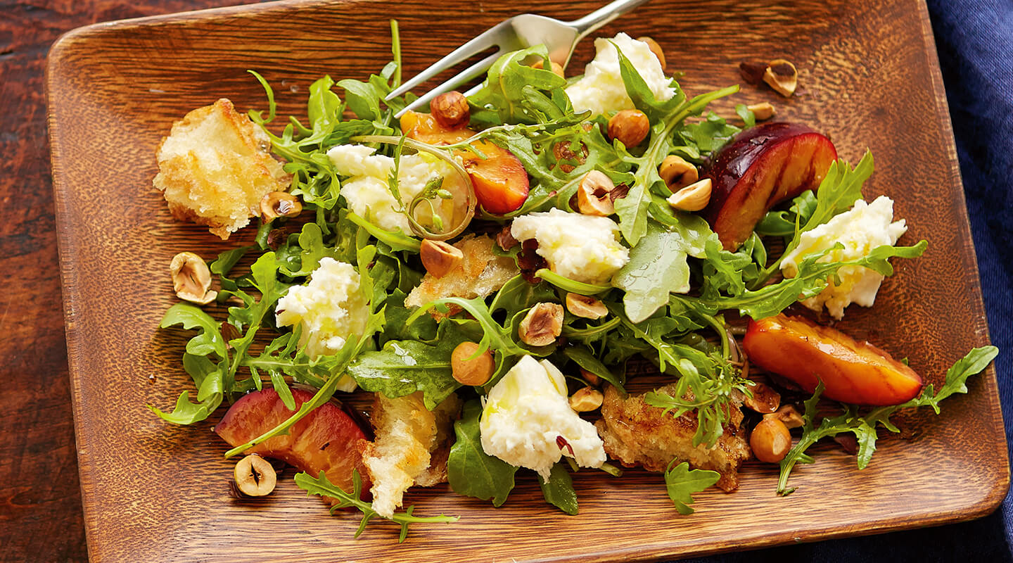 Wisconsin Cheese Grilled Plum Salad with Fresh Mozzarella   Recipe