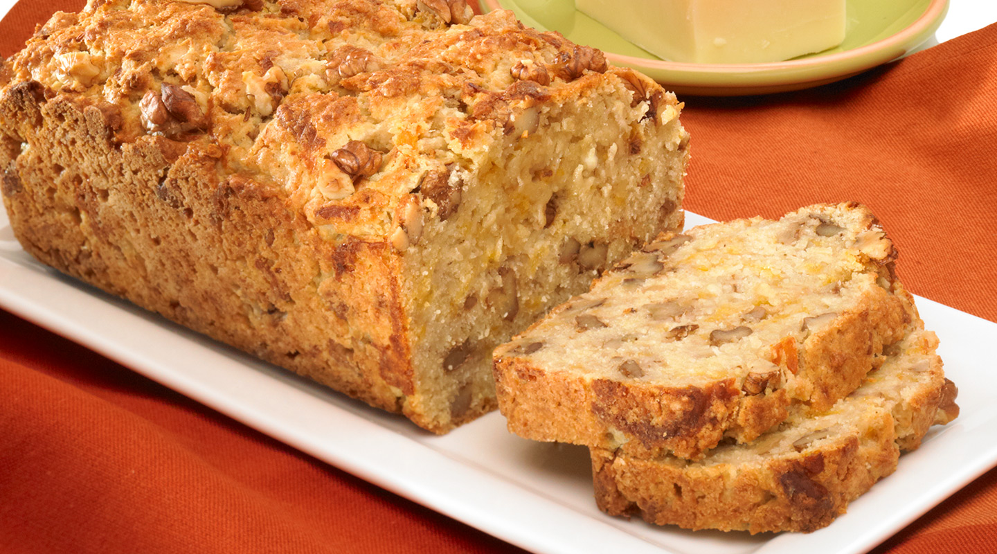 Wisconsin Cheese Aged Cheddar-Apple Nut Bread Recipe
