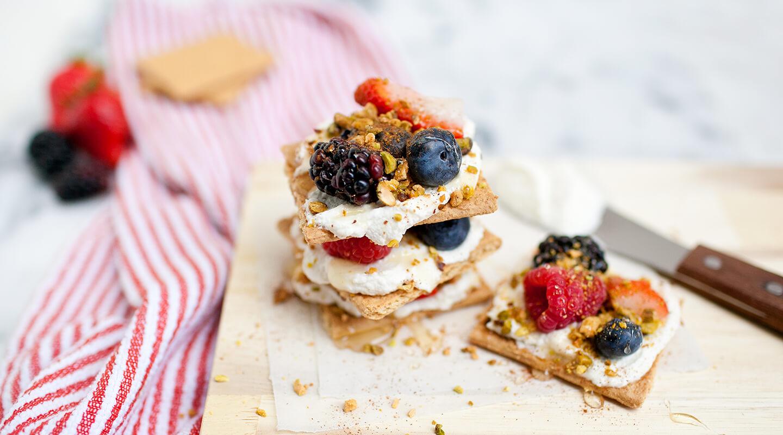 Wisconsin Cheese Ricotta and Fruit Graham Cracker Snacks Recipe