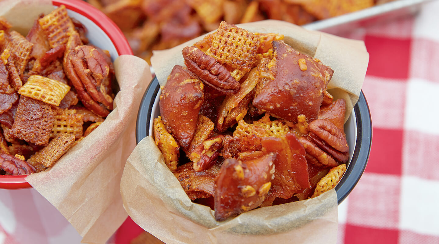 Wisconsin Cheese Chipotle Aged Cheddar Bacon Snack Mix Recipe