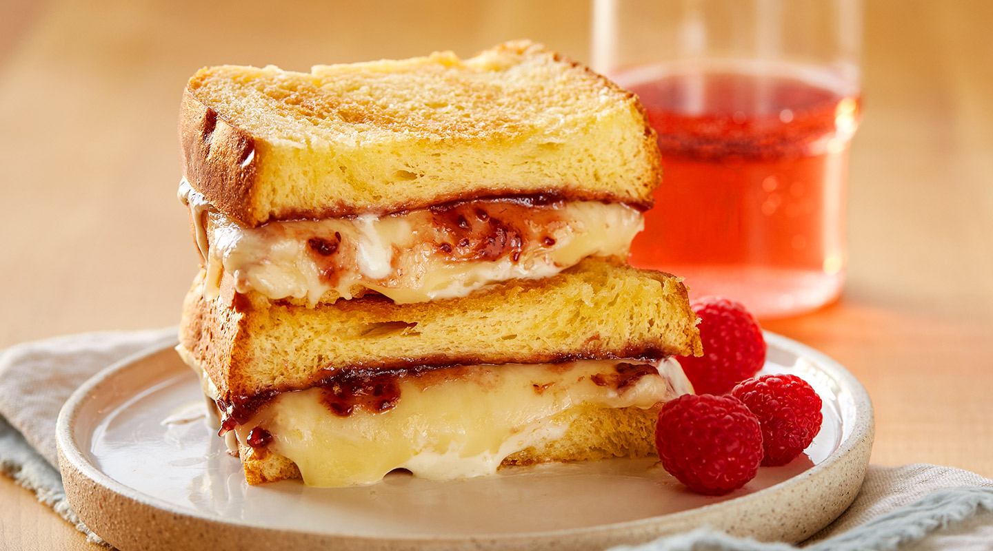 Wisconsin Cheese Raspberry-Fontina Grilled Cheese Recipe