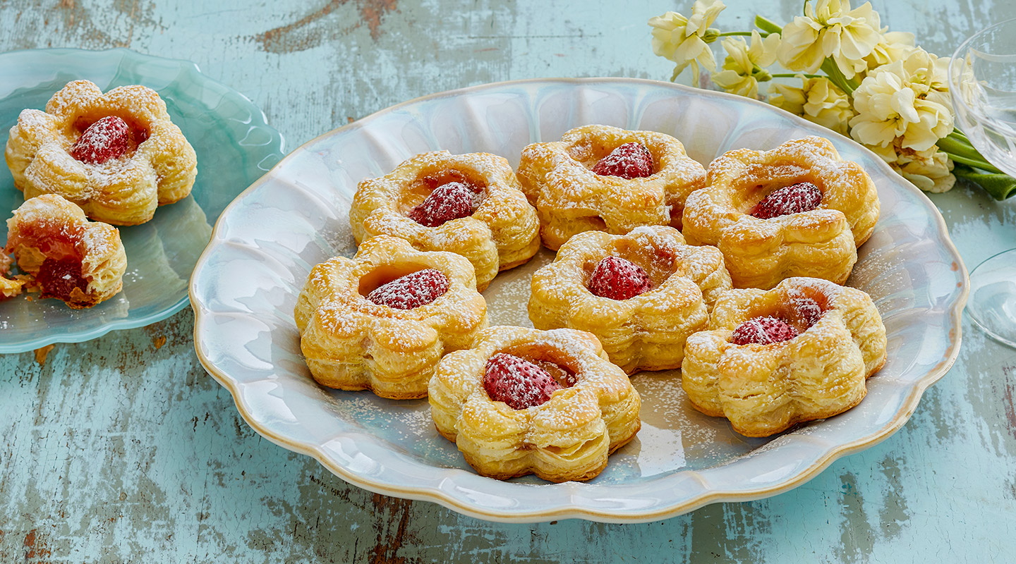 Wisconsin Cheese Strawberry-Gouda Flower Pastries recipe