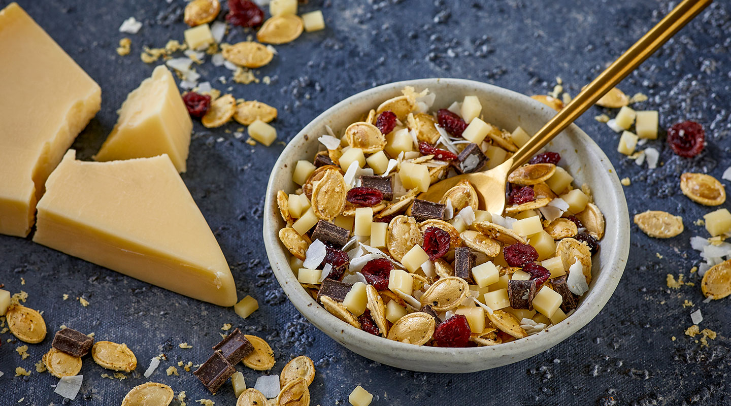 Wisconsin Cheese Parmesan-Roasted Pumpkin Seed Snack Mix Recipe